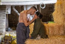 Emmerdale Spoilers: Nate kisses Moira Dingle - will Cain catch them?