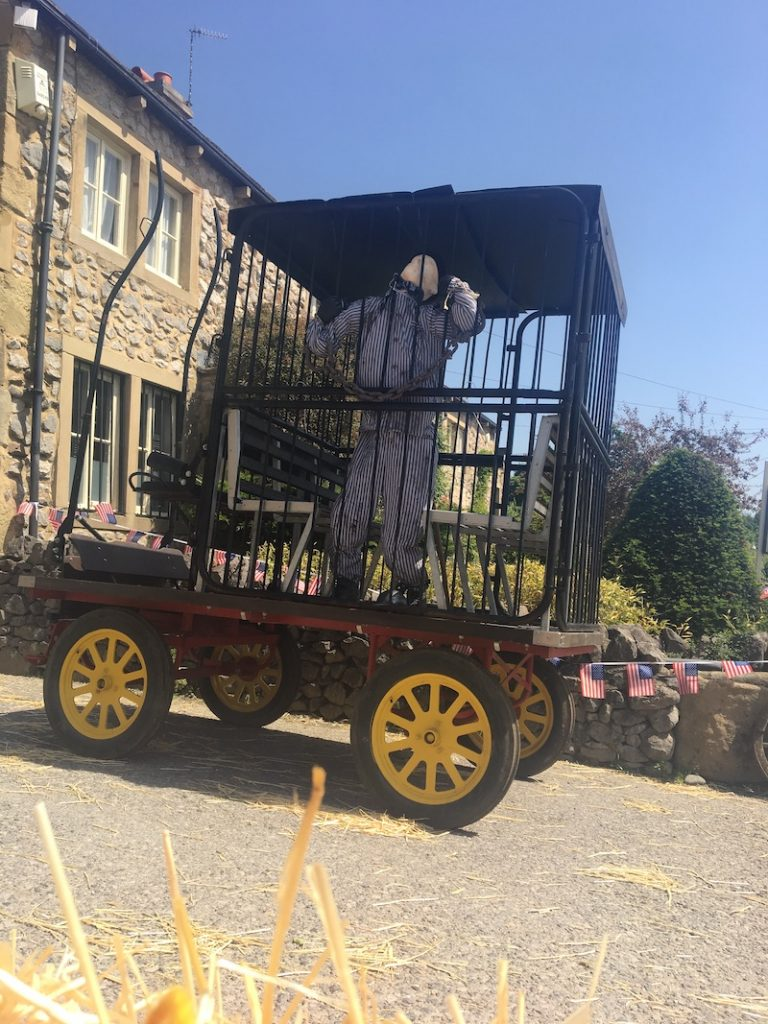Emmerdale to Emmerdeadsville - Creating the convict to the installation in the jail wagon on set